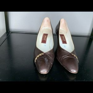 Vintage Bally brown pumps with gold detail